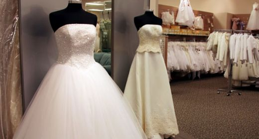 Stress Free Wedding Dress Shopping Tips for Any Budget