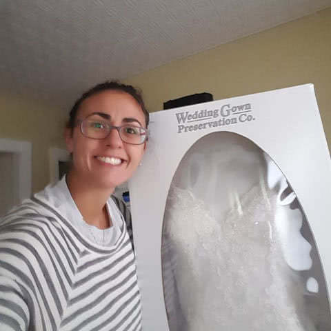 Real Brides Give Their Wedding Gown Preservation Kit Reviews